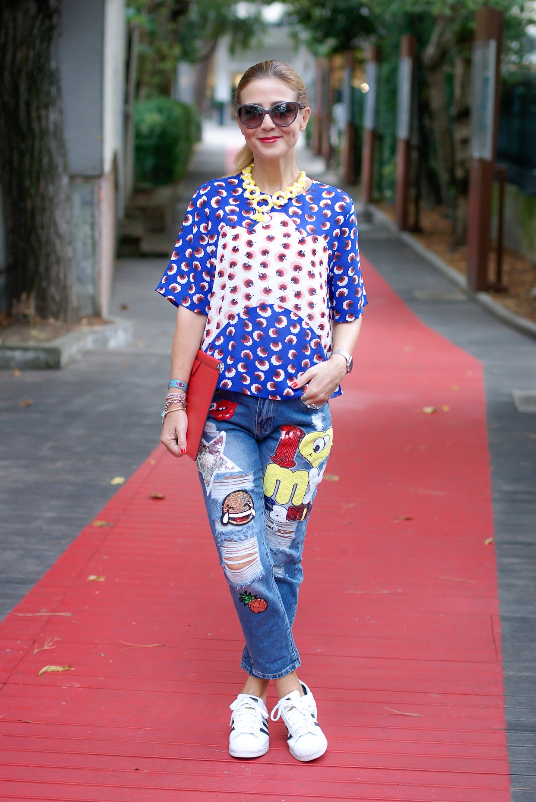 patched jeans with whatsapp emoji patch and Minueto blouse on Fashion and Cookies fashion blog, fashion blogger style