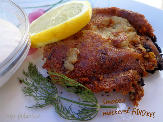 Smoked mackerel fishcakes by Laka kuharica: tasty and so easy to make these fishcakes are a comforting meal.