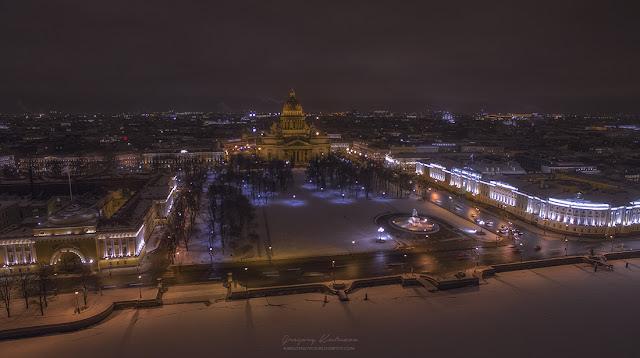 Вид на Сенатскую площадь с высоты птичьего полета