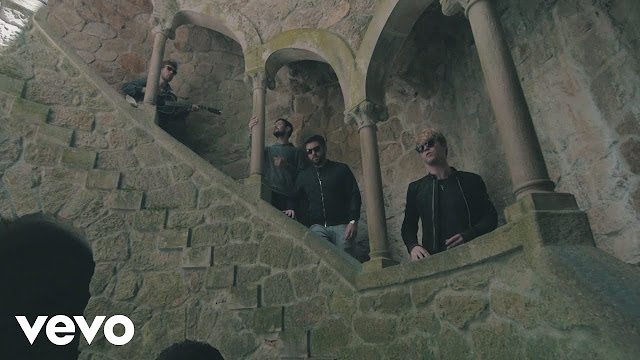 Kodaline Unveil Live Acoustic Version Of 'Worth It' In Portugal