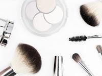 Tips Cara Menerapkan Makeup Sederhana Untuk Wanita