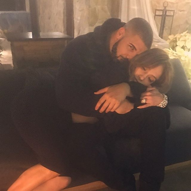 Drake Buys Jennifer Lopez $100,000 Necklace