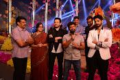 Akhil Aatadukundam Raa Stills-thumbnail-4