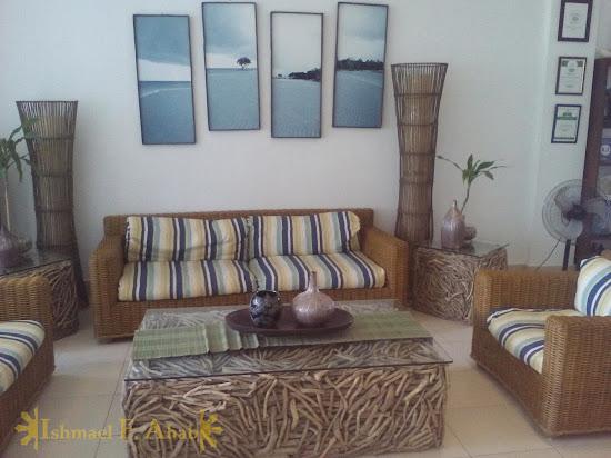 Lobby of Microtel Palawan, Puerto Princesa