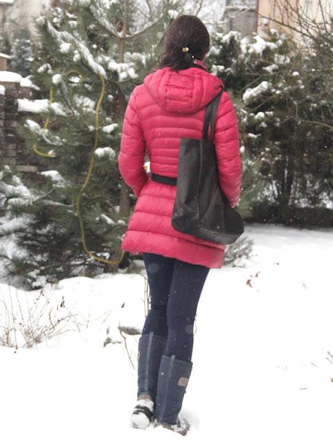 poznań streetstyle, puchówka, street style zima, kurtka puchowa, puchówka, novamoda style, co nosic zima, moda zima, co nosic zima, cosy style, comfy look, unqlo, winter boots