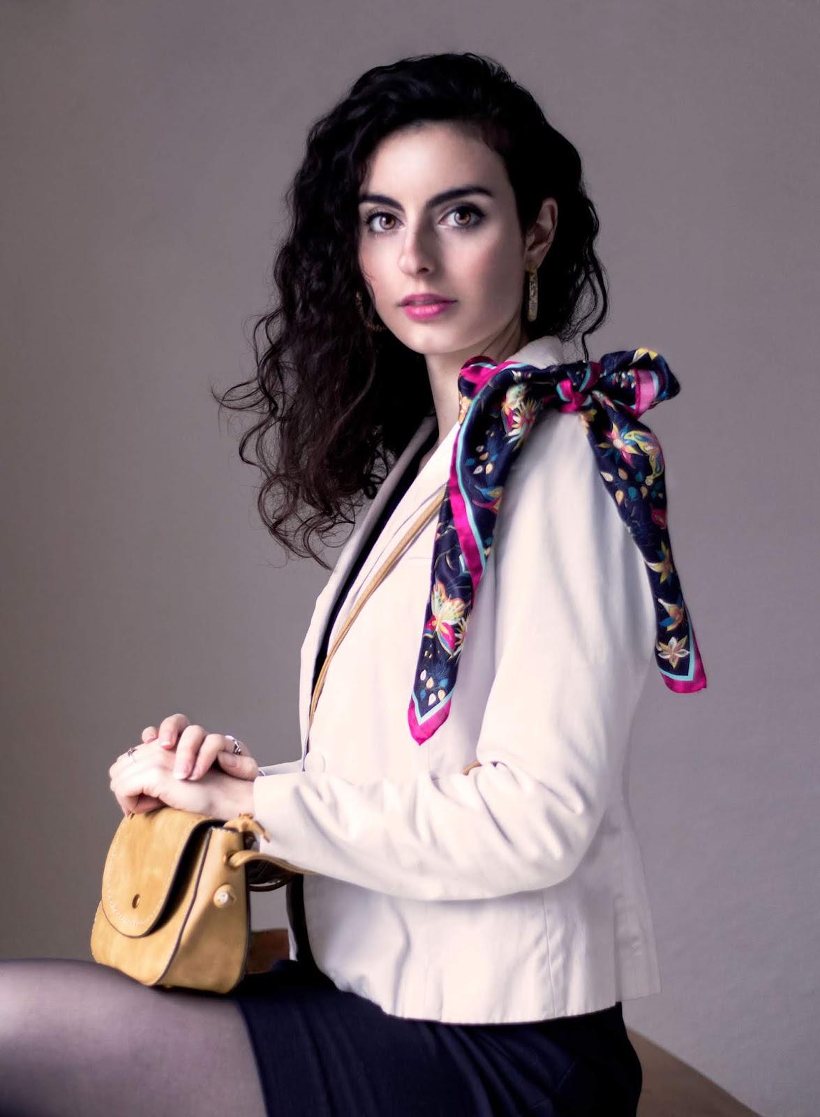 Cinq façons de porter un foulard