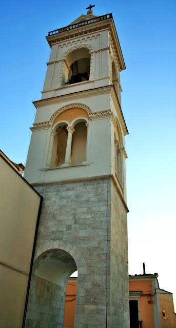 campanile, campanile di Minervino, cielo
