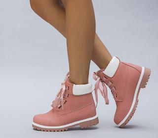 ghete de fete pentru iarna roz