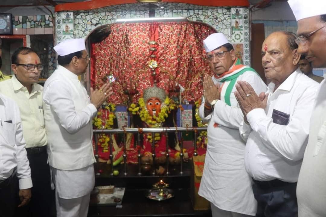 Jhabua News-झाबुआ जनसम्पर्क मंत्री पीसी शर्मा ने मीडिया प्रतिनिधियो से चर्चा कर शासन की योजनाओ के बारे बताया
