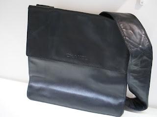シャネル ショルダーバッグ お買い取り致しました 国産メーカーバッグも海外メーカーも取り扱っています
