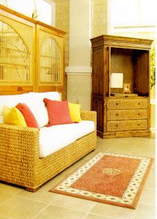 Kursi tamu sering dikategorikan sebagai sofa atau living chairs Sofa Rotan untuk Ruang Tamu