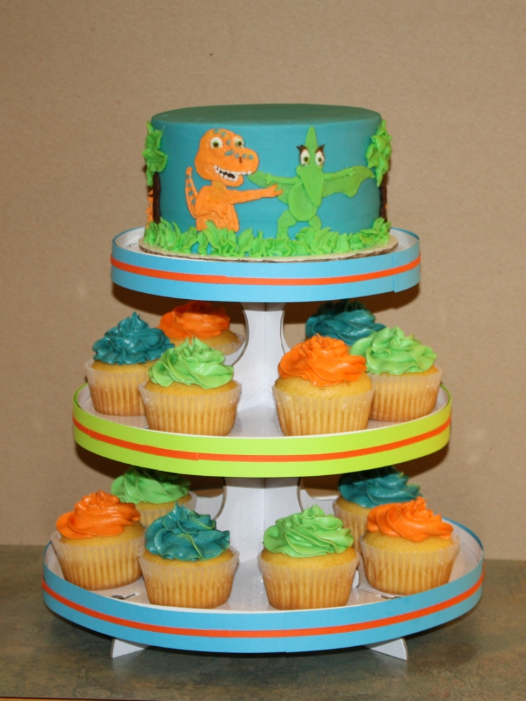 Party Cakes Dinosaur Train Cake Amp Cupcake Display
