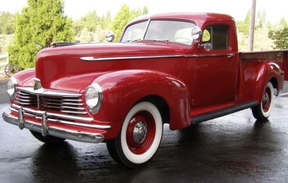 OLD CLASSIC PICKUP TRUCKS