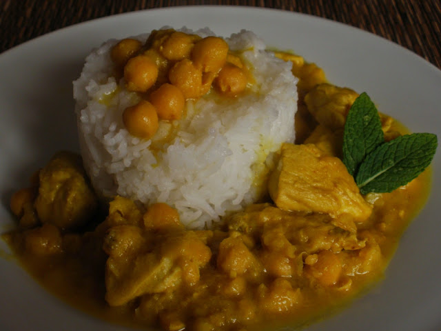 CURRY DE POLLO Y GARBANZOS