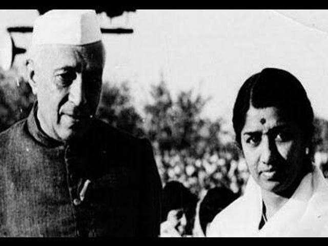 Lata Mangeshkar with jawahar lal nehru