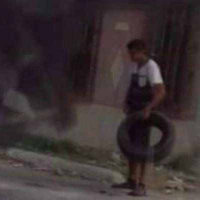 """Captan a """"halcòn"""" del CDG quemando llantas; Arde Reynosa en cambio de Gobierno"""
