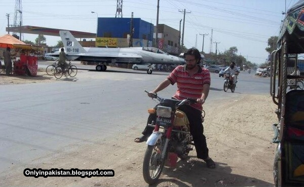 Funny Pakistani aeroplane on the road