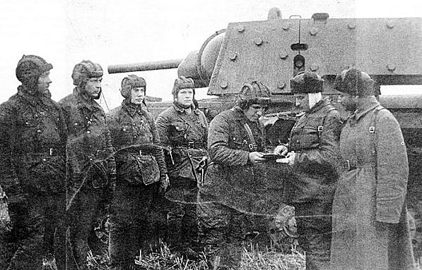 Soviet KV-1 tank and crew, 18 August 1941 worldwartwo.filminspector.com