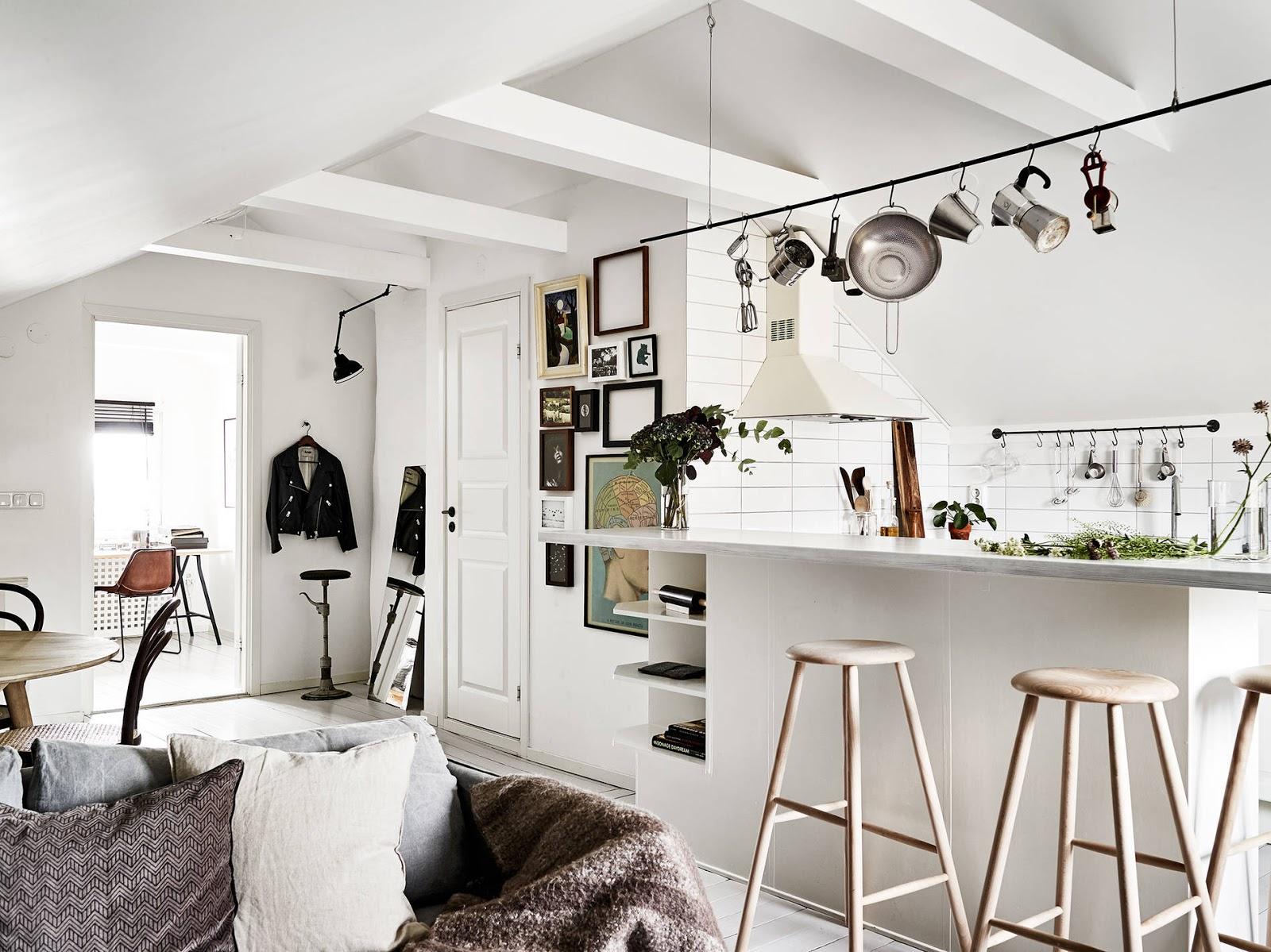 Decordemon gustavsgatan 84 cozy attic with charming details for Interiores de cocinas