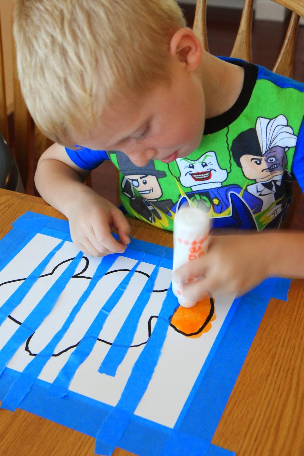 toddler approved clown fish paddlepak and craft for kids giveaway. Black Bedroom Furniture Sets. Home Design Ideas