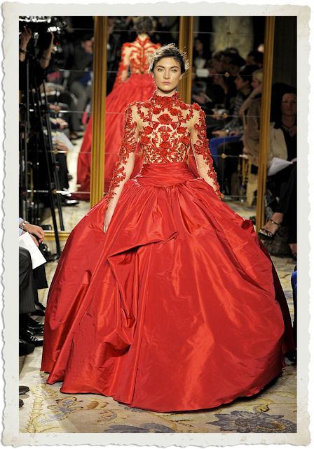 abito rosso di Marchesa