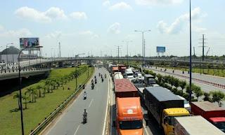 Dịch vụ vận chuyển hàng hóa bằng xe tải