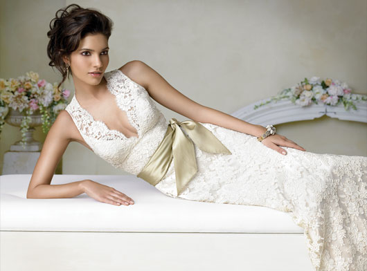 alencon lace bridal gown