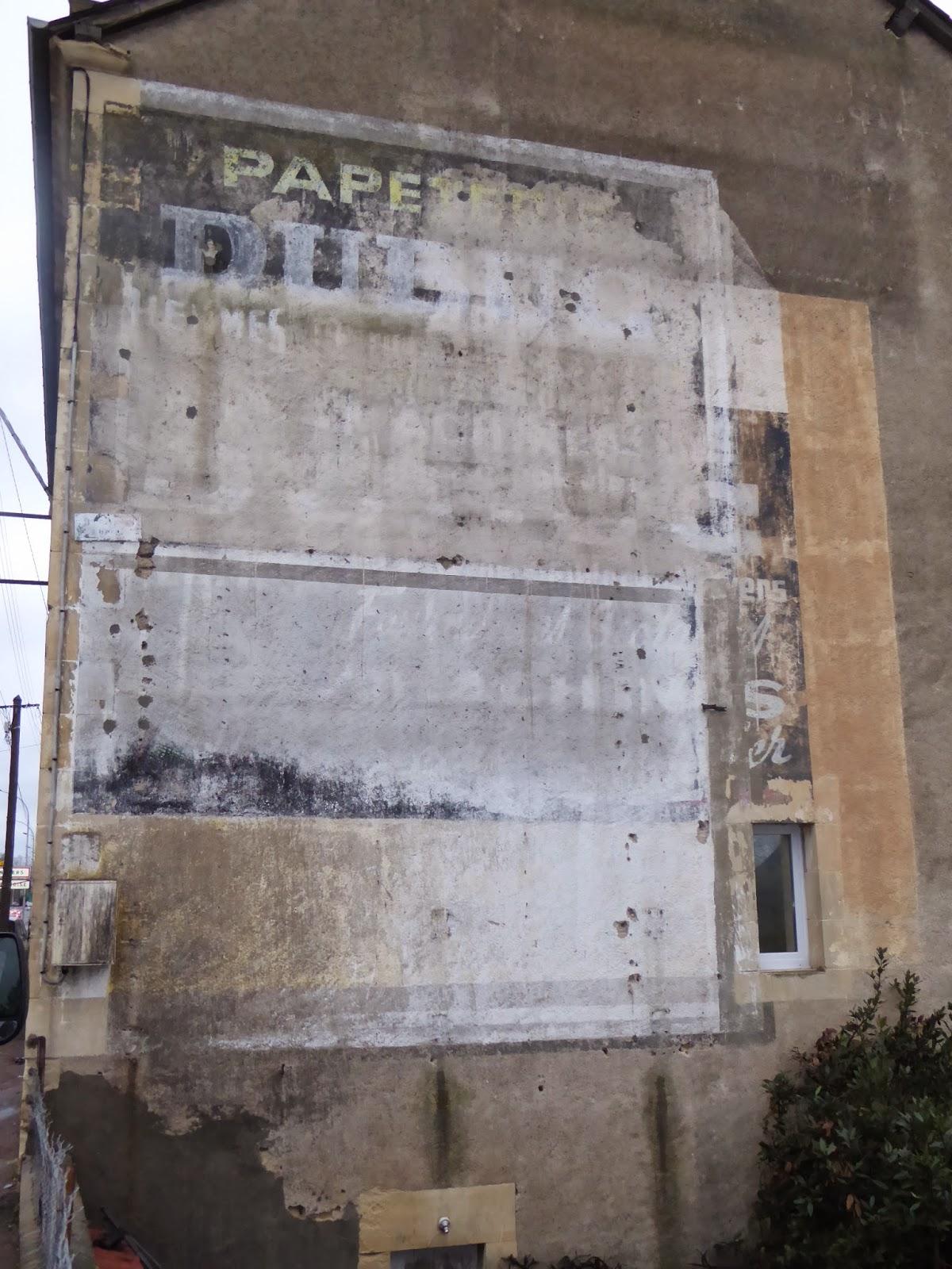 Des signes sur les murs route bleue 20 for Papeterie dax