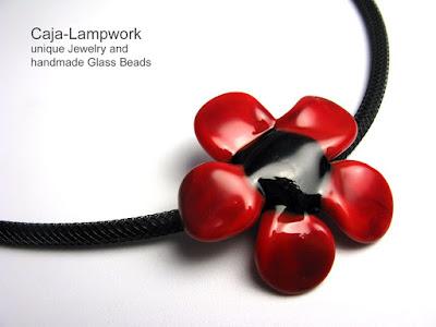 rot-schwarze Blume