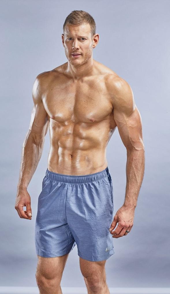 Vjbrendan Tom Hopper On The Cover Of Muscle