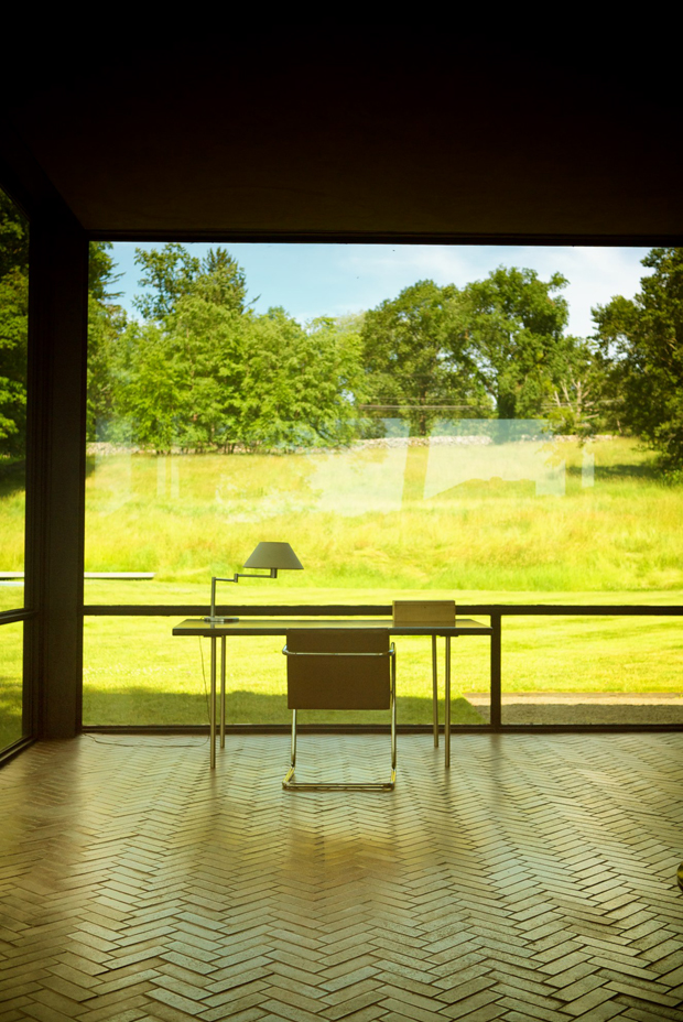 Glass House Architecture: GLASS HOUSE By Philip Johnson Architect