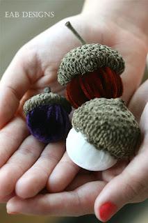 ghiande in stoffa realizzato in cucito creativo con cappello ghianda vero