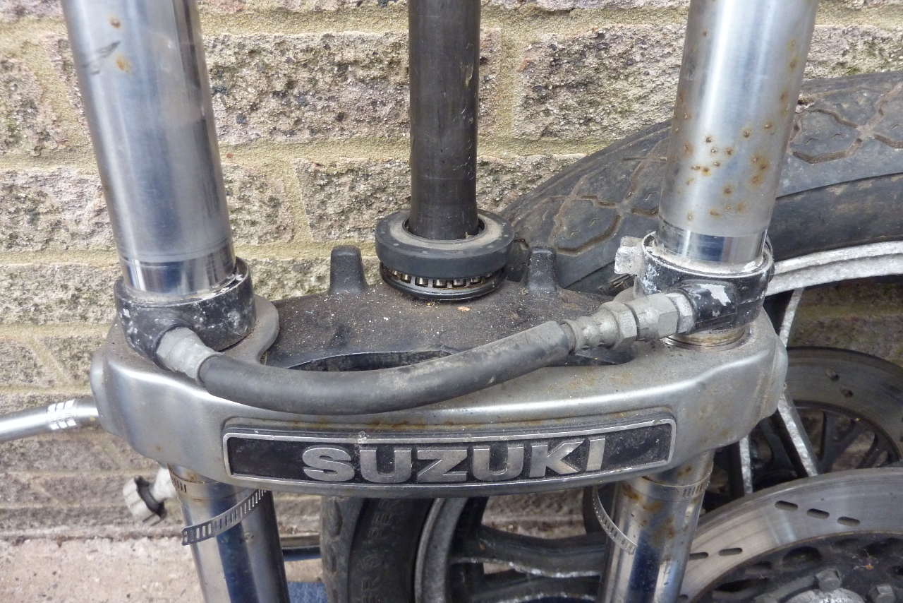 Suzuki GS1100 G Restoration Project: Front Air Suspension