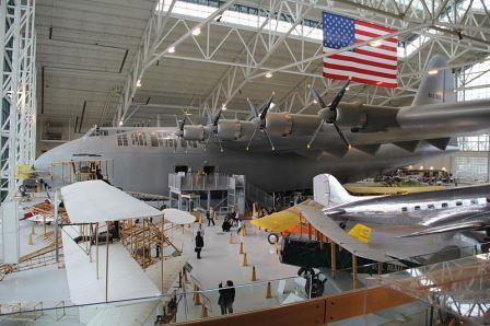 Pesawat Hughes H-4 Hercules pesawat terbesar yang pernah di buat di dunia