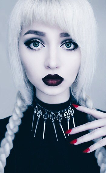 Makeup For Women With White Hair