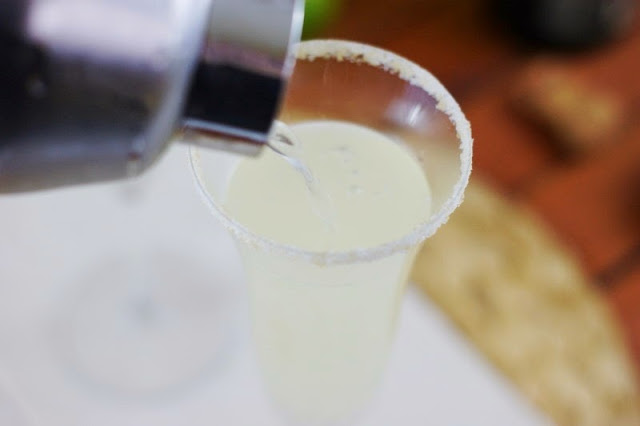 How to Make Champagne Margaritas image
