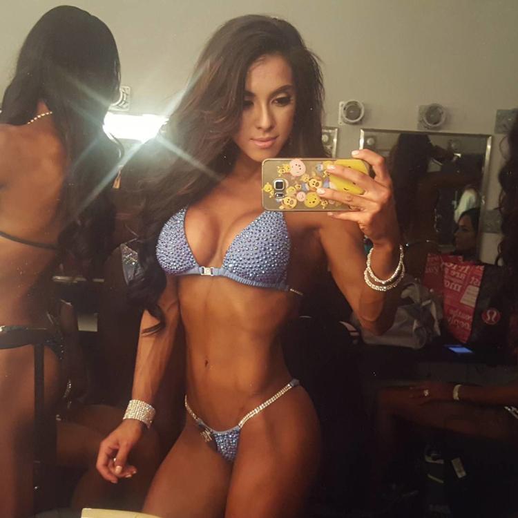 Bikini Pro Vanessa Chung