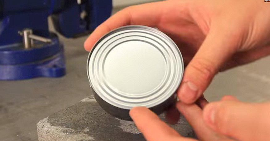 how to open a can with nothing but your bare hands   handy diy
