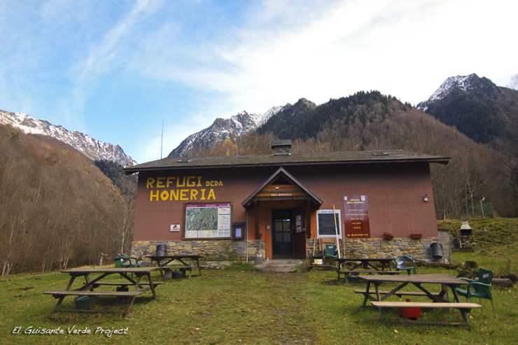 Refugio dera Honeria - Valle de Aran por El Guisante Verde Project