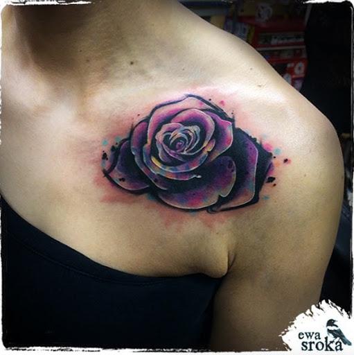 Este deslumbrante rosa no ombro