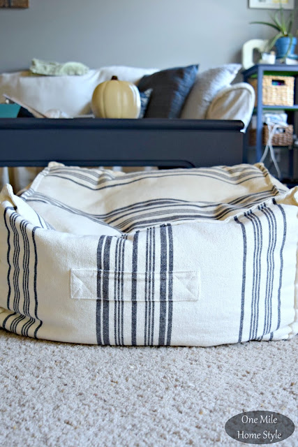 How To Re-Pouf A Pouf for FREE - Before | One Mile Home Style