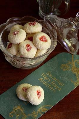 resepi, kuih raya, biskut raya, biskut, bahan - bahan, cara penyediaan, memasak, membuat kuih raya, Biskut Kelapa, ramadan, puasa, raya, Aidilfitri,