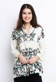 Model Baju Kantor Batik Wanita Modern Terbaru