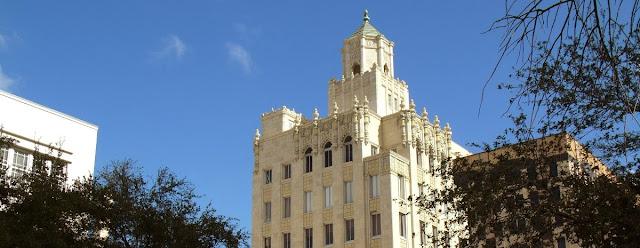 Snell Arcade, también conocido como Rutland Building en Saint Petersburg. Construido en 1926