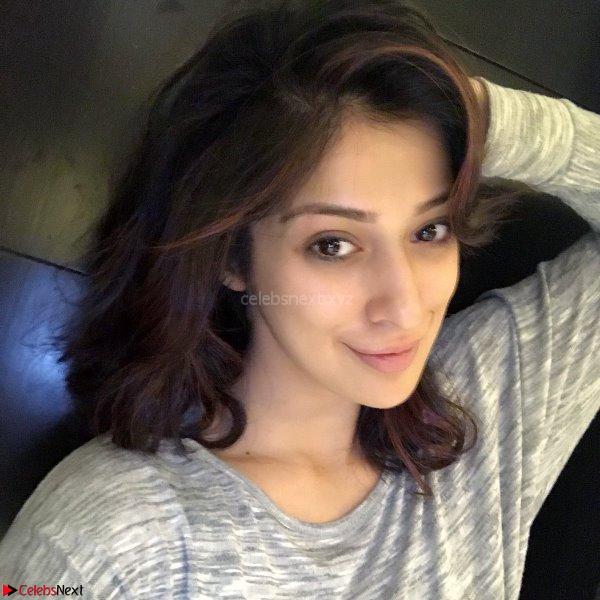 Laxmi Rai Instagram pics 2.jpg