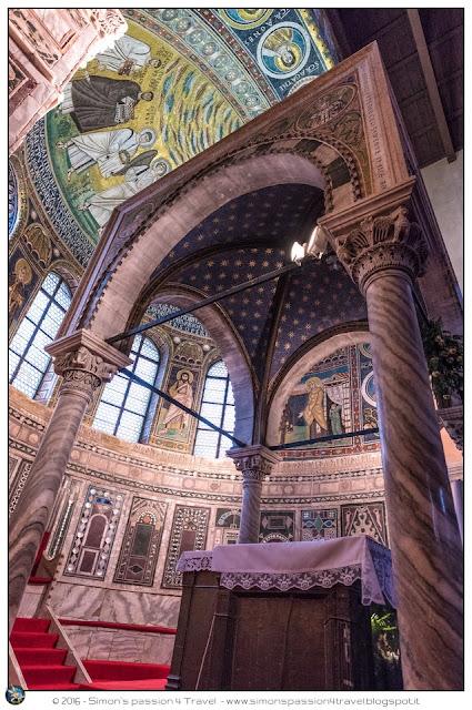 Parenzo cattedrale mosaici interno