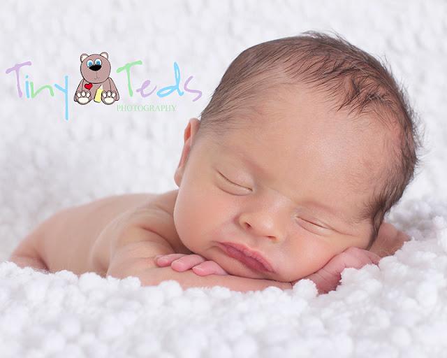 Newborn photographer dundee baby calvin