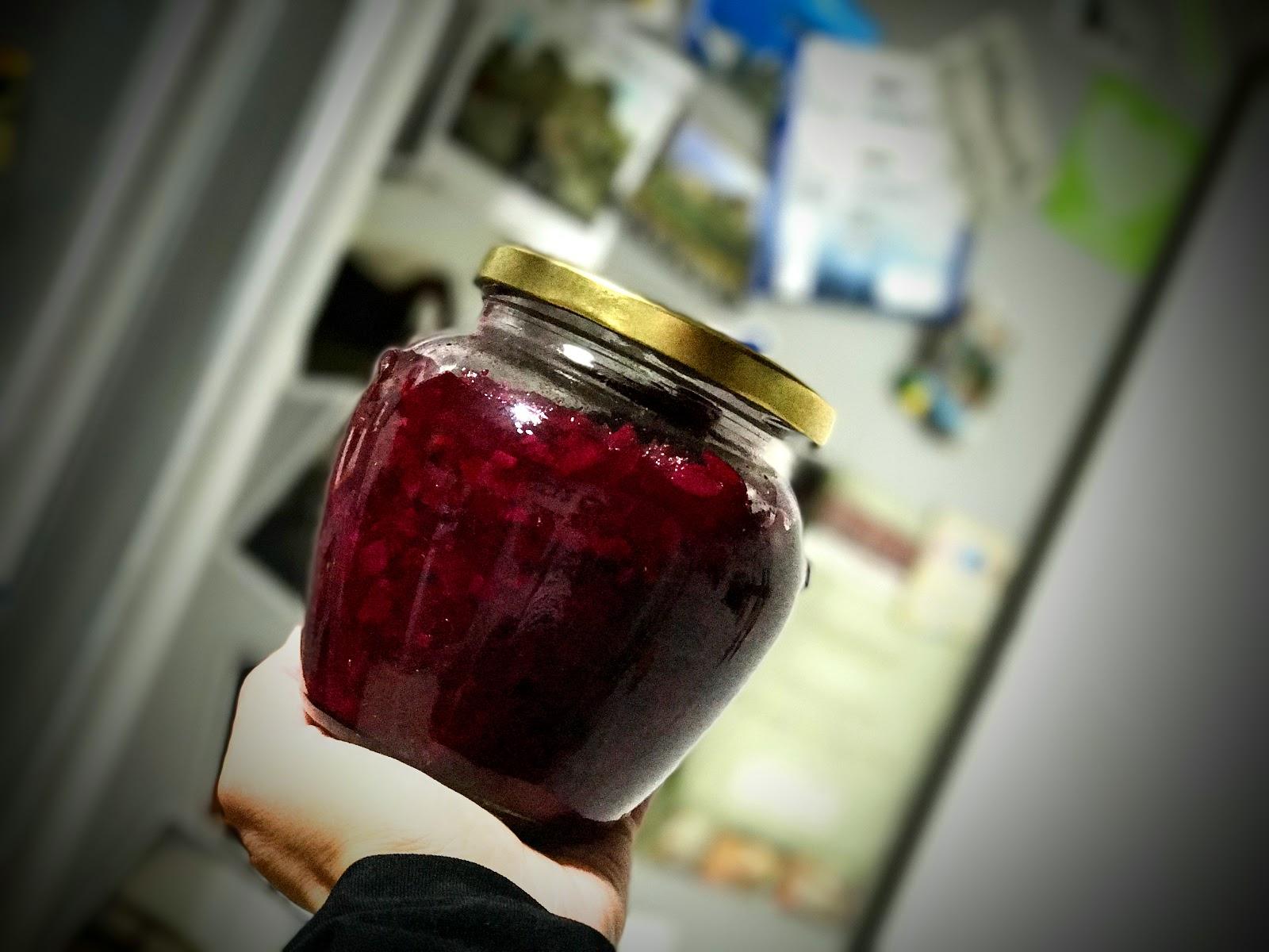 Sałatka z cukinii i buraczków na zimę do słoika - pyszna!