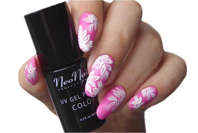 Różowe liście