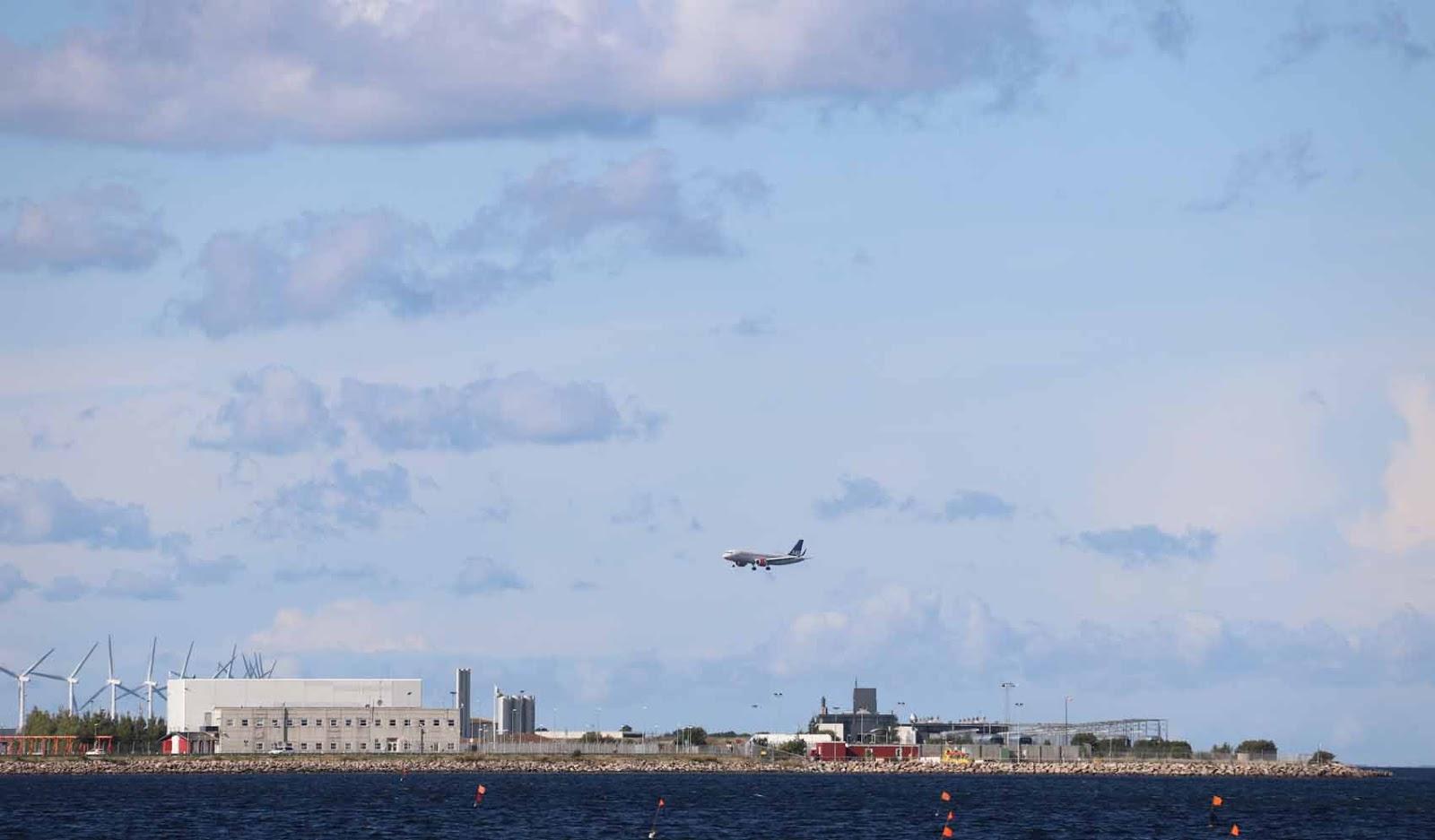 Dragør sijaitsee lähellä Kastrupin lentokenttää.
